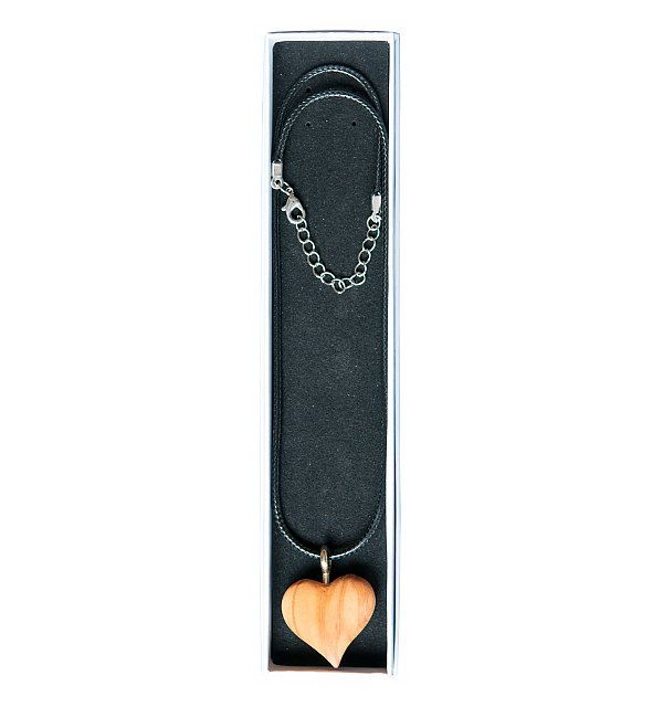 8051 - Heart olive with ribbon in natural-wood jewelry
